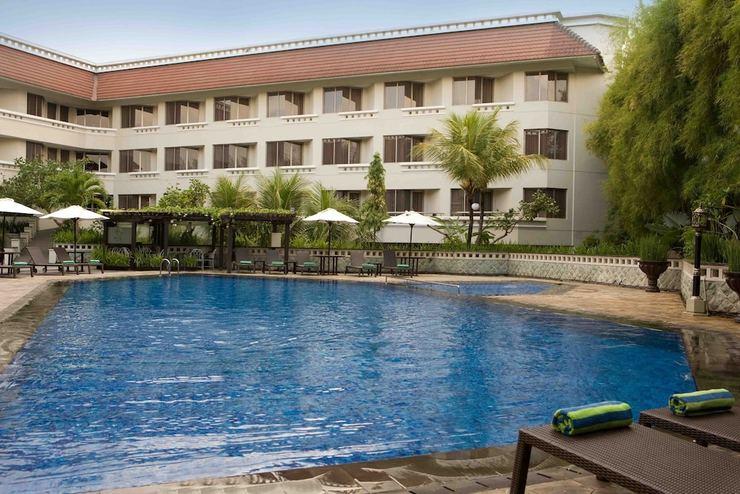 Hotel Santika Premiere Jogja - Outdoor Pool