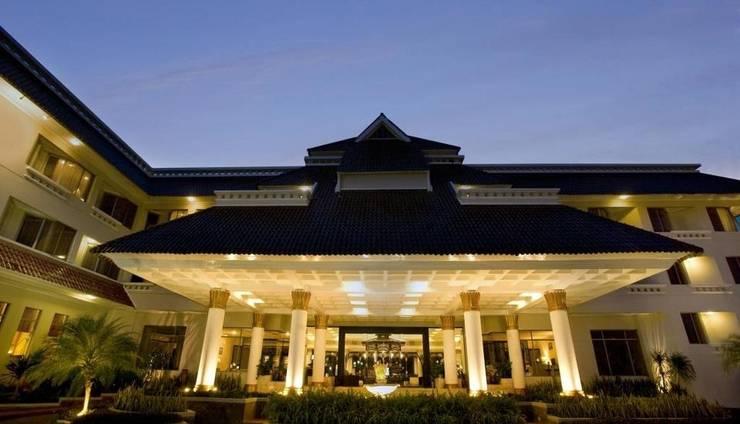 Hotel Santika Premiere Jogja - Building