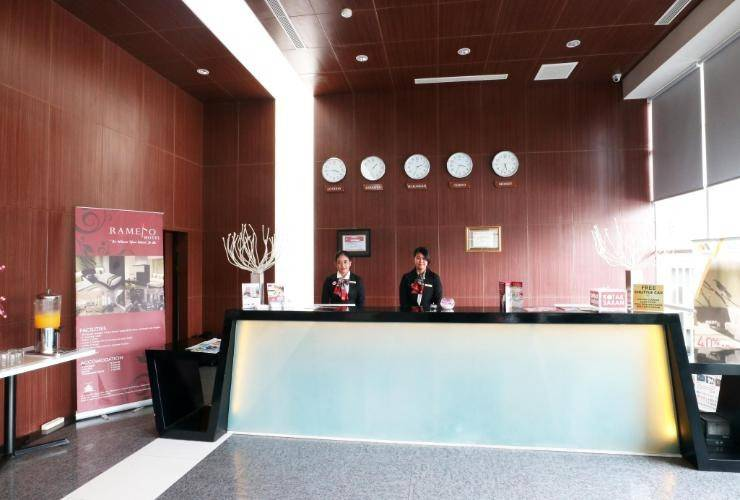 Ramedo Hotel Makassar - Reception