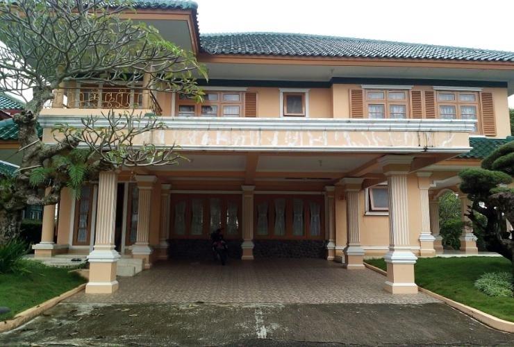 Santibi's Villa Puncak Resort Cianjur - Facade