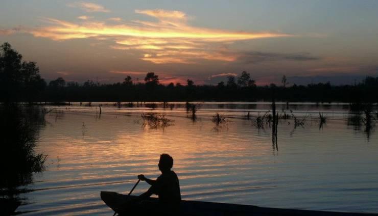 Rungan Sari Resort Palangkaraya - Klotok Saat Matahari Terbenam