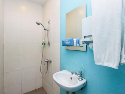 Airy Eco Kebon Jati H Basar 61 Bandung - Bathroom