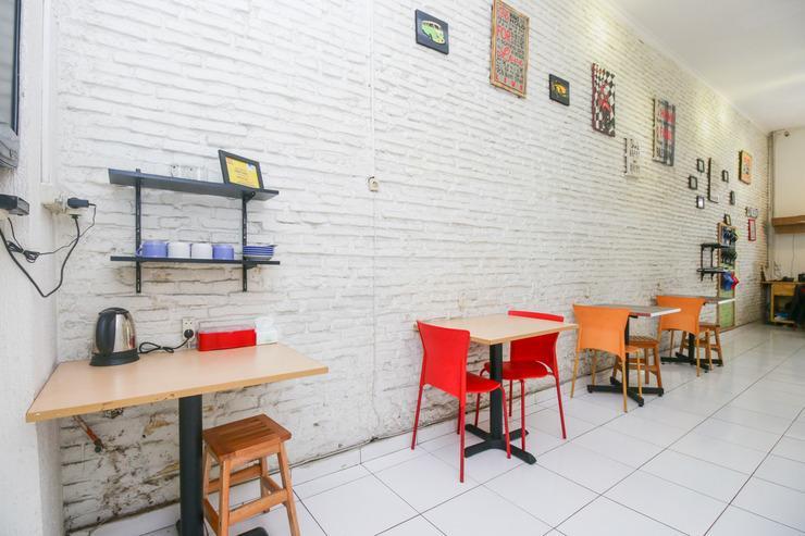 Airy Eco Kebon Jati H Basar 61 Bandung - Restaurant