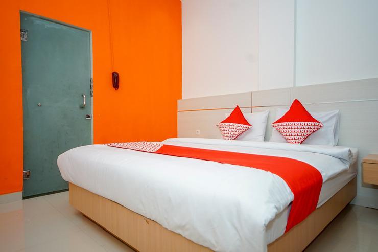 OYO 344 Kr Hotel Palembang - Bedroom