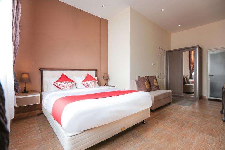 OYO 170 Koen View Jakarta - Bedroom