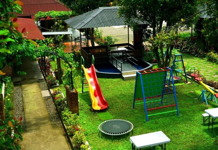 Puri Saras Garden Hotel by Papatong Bandung - Playground