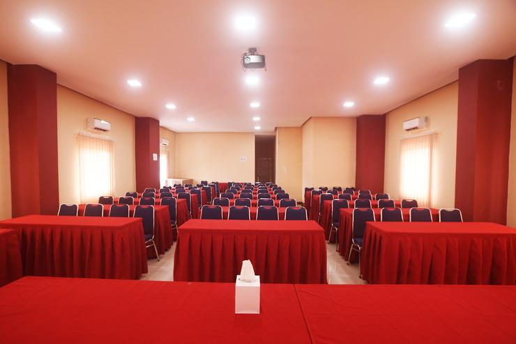 Nabasa Hotel Balige Danau Toba - Ballroom