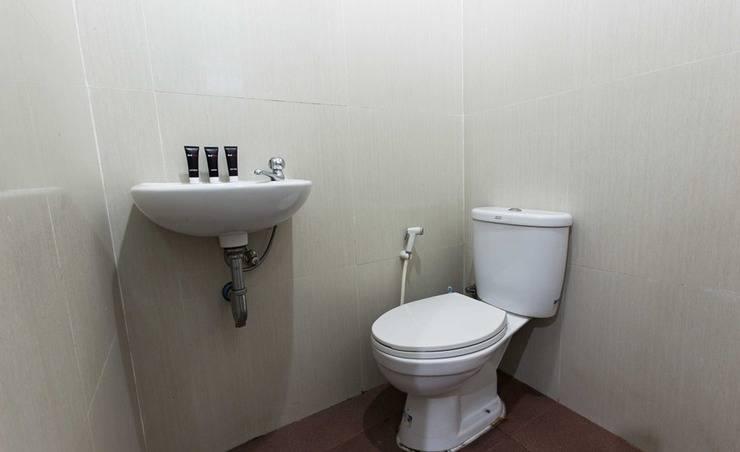 RedDoorz @Lippo Cikarang Jakarta - Kamar mandi