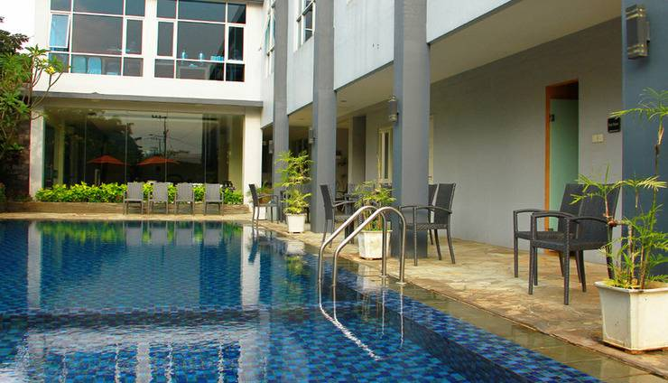 Solaris Hotel Malang - Pool