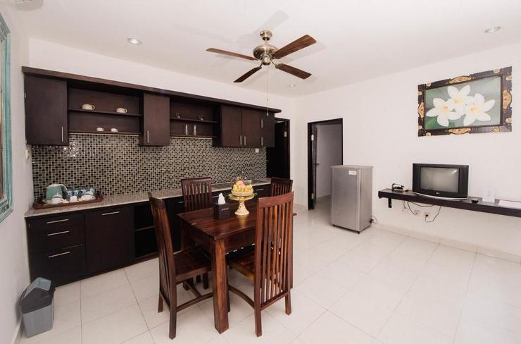 Grand Pudjawan Hotel Bali - Kitchen