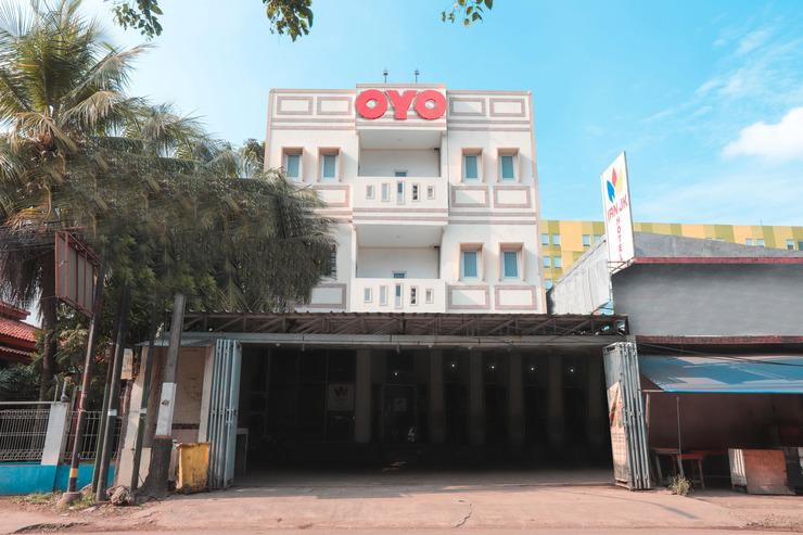 OYO 262 Ian Jk Hotel Tangerang - Facade