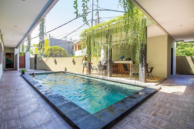 Tri Homestay Bali - pool