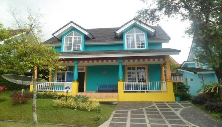 Villa Kota Bunga Violet Cianjur - Facade
