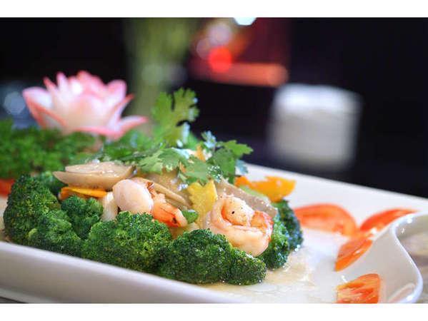 Serela Riau Hotel Bandung - Meals