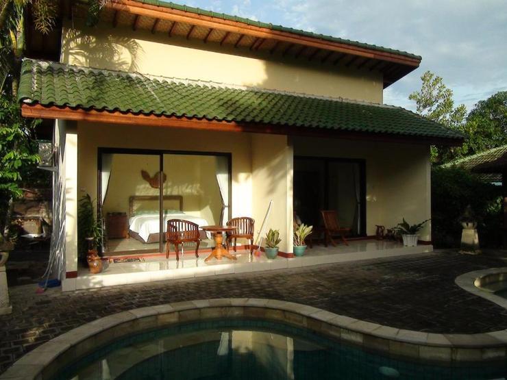 Villa Yukie Senggigi Lombok - Pool