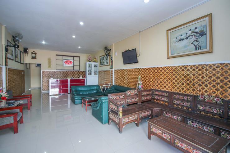 Airy Eco Mintaragen Nirmala Square Tegal - Lobby