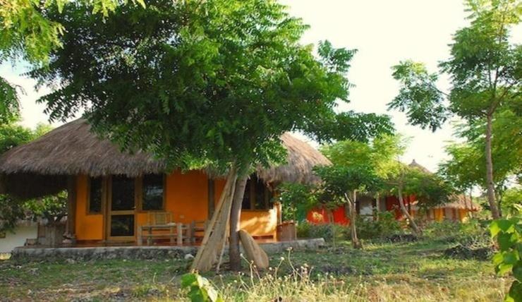 Oro Beach House Pulau Sumba - Exterior