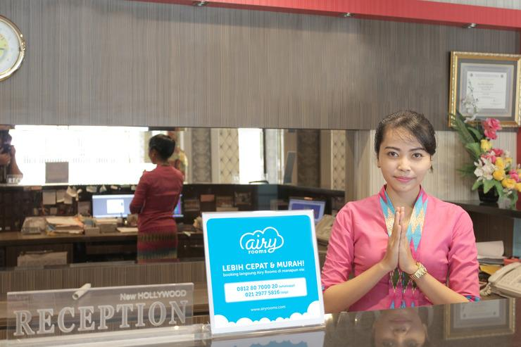 Airy Kuantan Raya 120 Pekanbaru - Receptionist