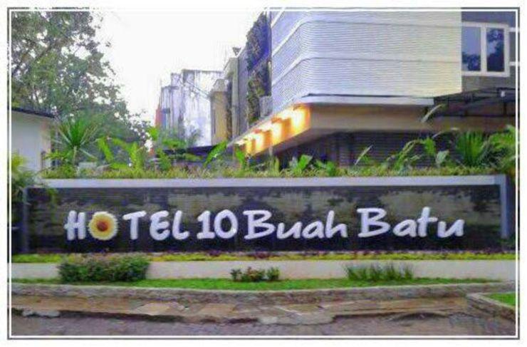 Hotel Sepuluh Buahbatu Bandung - Facade