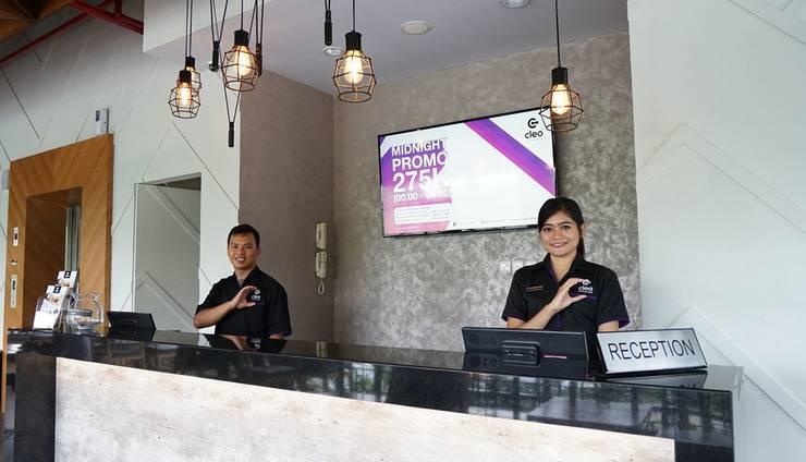 Cleo Hotel Jemursari - Lobi