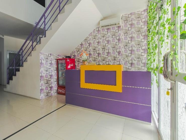 RedDoorz Plus near Stasiun Bekasi Bekasi - Interior