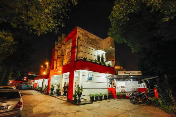 Cherry Garden Hotel Medan - Facade