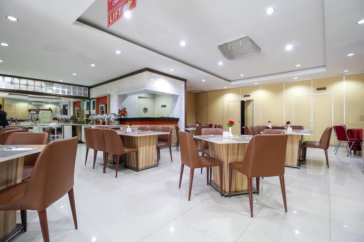 Airy Syariah Padang Barat Hang Tuah 211 - Restaurant