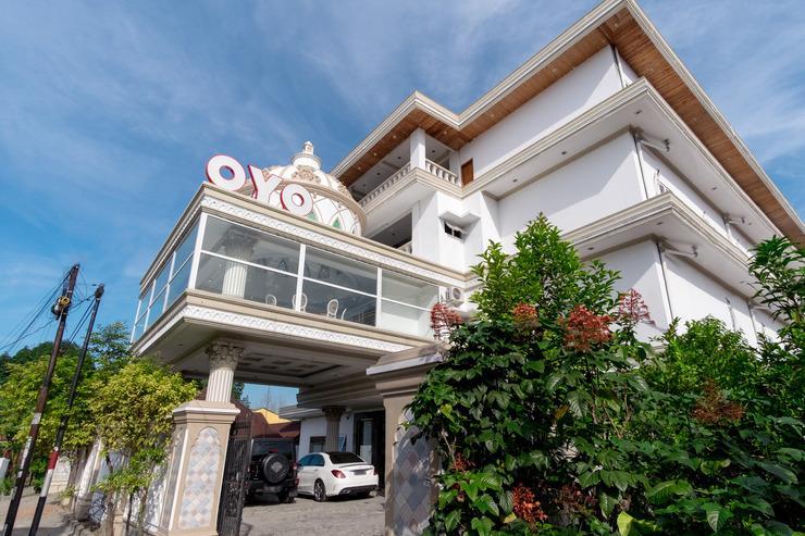 OYO 293 Mutiara Hijau Suites Syariah Medan - Facade