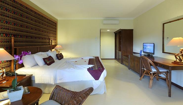 Mangsit Suite By Holiday Resort Lombok Lombok - Room