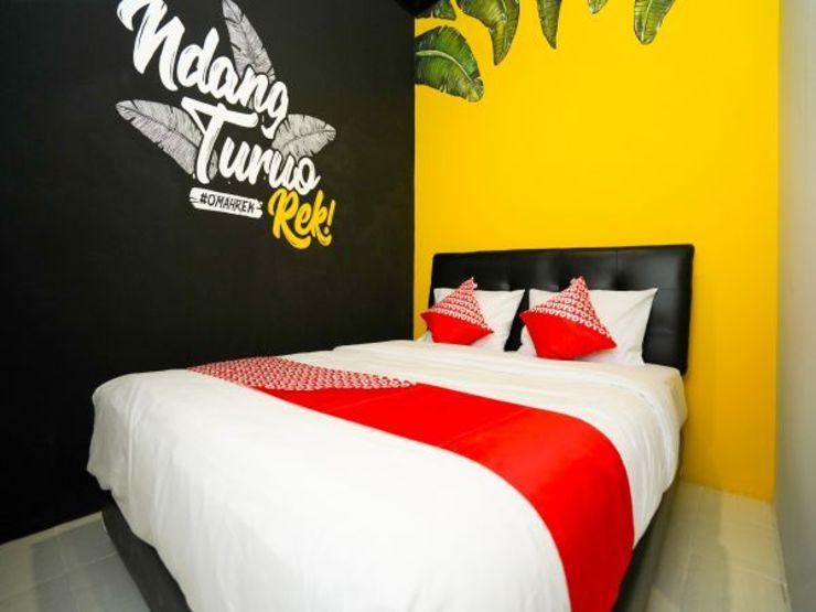 OYO 1293 Claudya Residence Surabaya - Bedroom