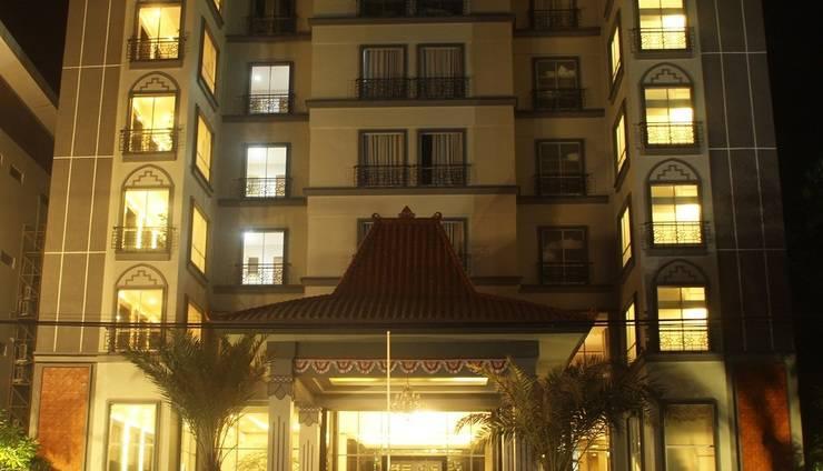 Grand Serela Hotel Yogyakarta - Grand Serela malam hari