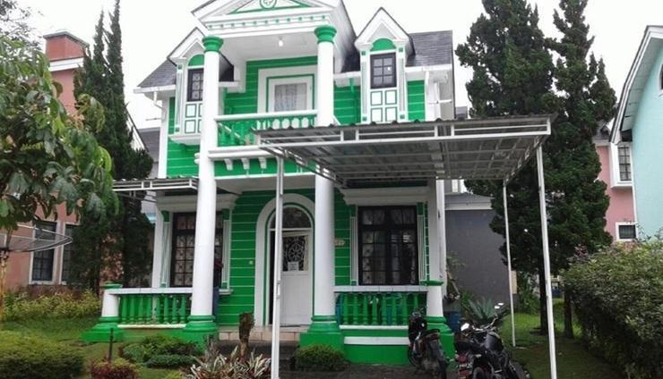 Villa Kota Bunga Peony Cianjur - Facade