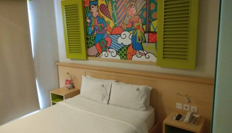 MaxOneHotels at Kramat Jakarta - Happiness Queen Bedroom
