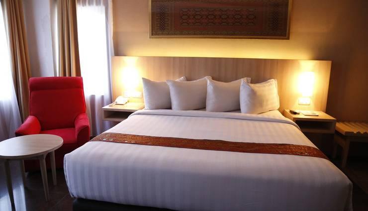 Hotel Inna Dharma Deli Medan - Deboer suite room