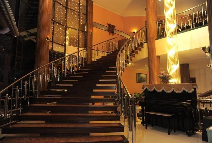Nuwis Hotel & Convention Semarang - Interior