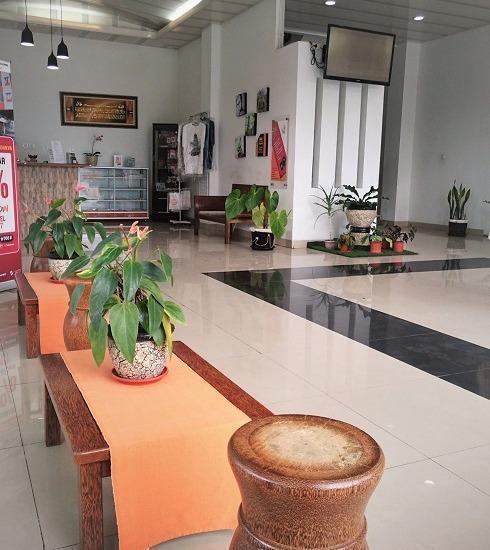 Prima Dini Hotel Bukittinggi - ruang tunggu