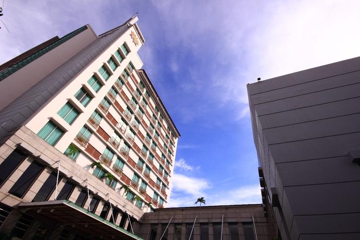 Grand Surya Hotel Kediri - TAMPAK DEPAN
