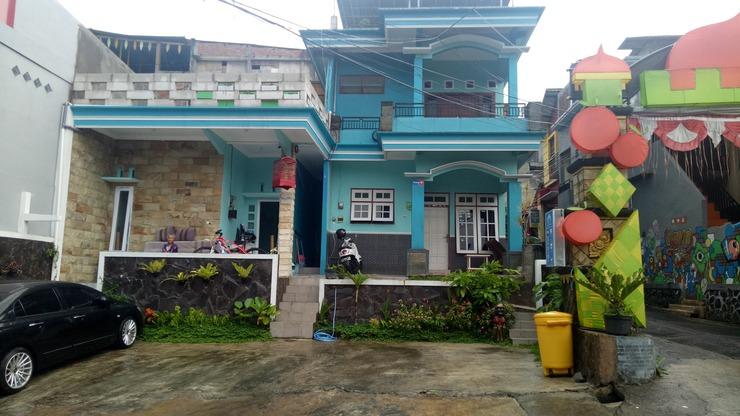 Villa Biru13 Malang - Building