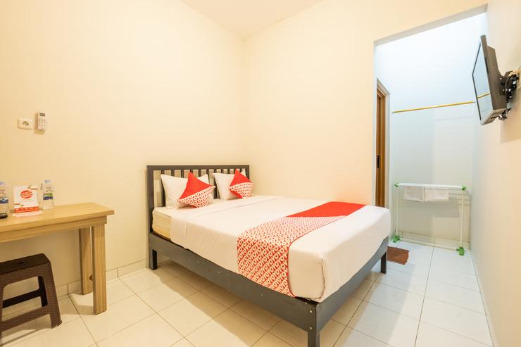 OYO 936 Tremigo Guest House Syariah Cirebon - STANDARD DOUBLE BEDROOM