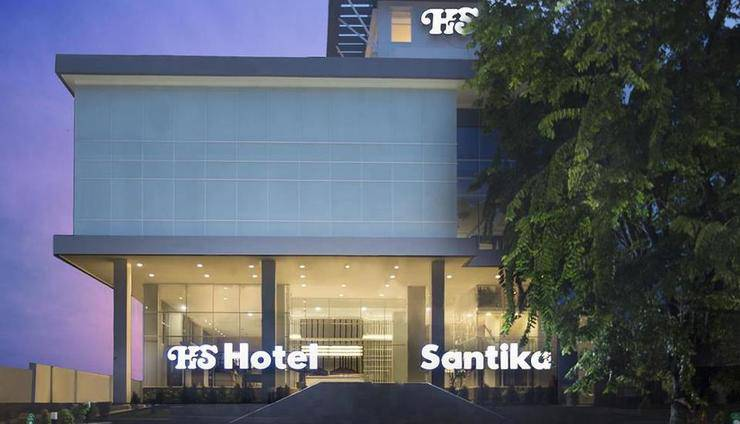 Hotel Santika Pekalongan - Facade
