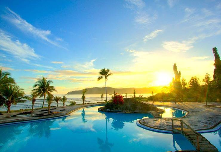 Paradise Hotel, Golf & Resort Minahasa Utara - Kolam Renang