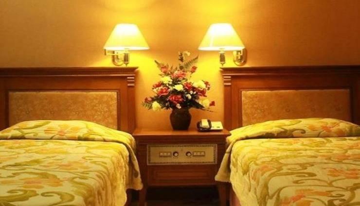 Azana Sapta Nawa Resort Gresik - Room