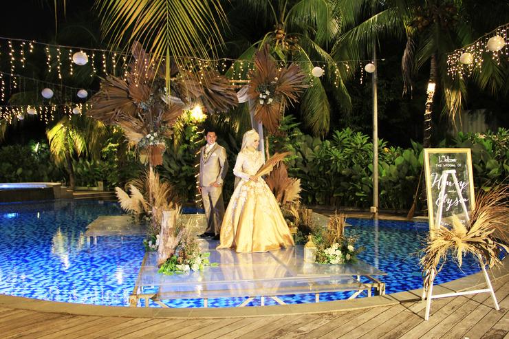 Narita Classic Hotel Surabaya - Pool Wedding