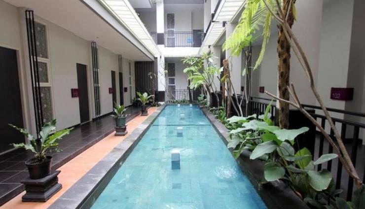 Morina Smart Hotel Malang - Kolam Renang