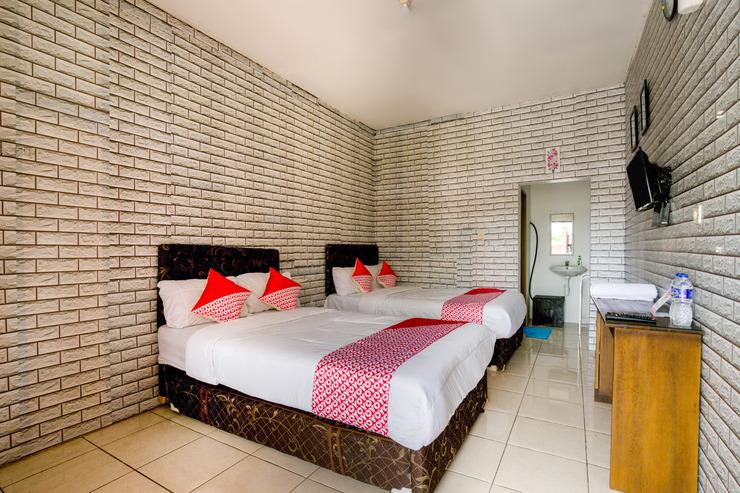 SPOT ON 90060 Jq Homestay Syariah Tangerang Selatan - Room