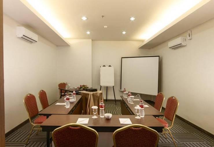Promenade Hotel Bandung - Meeting Room