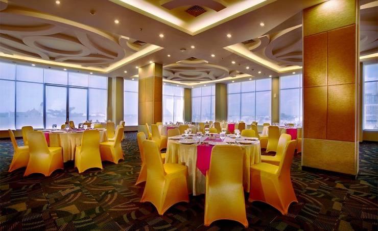 Fave Hotel Solo - Ballroom