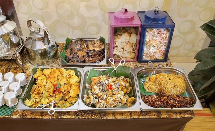 Fave Hotel Solo - Food & Beverage (buffet)