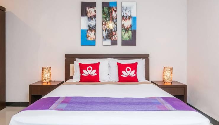 ZenRooms Legian Nakula 3 Bali - Tampak tempat tidur double