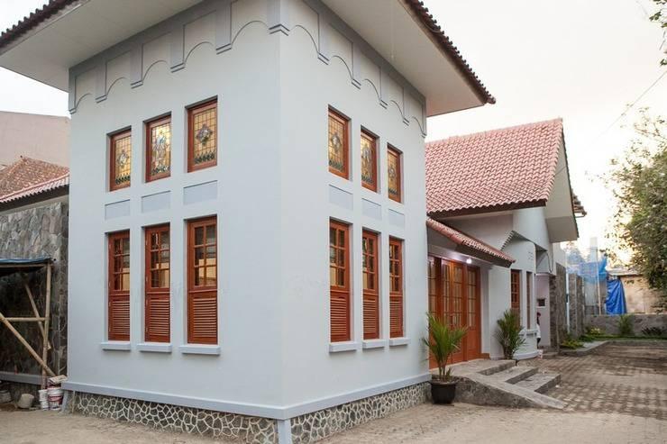 RedDoorz Plus near Pasundan University Bandung - Exterior
